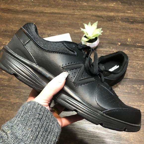 New Balance Men's Walking Shoe MW411v2 Size 10